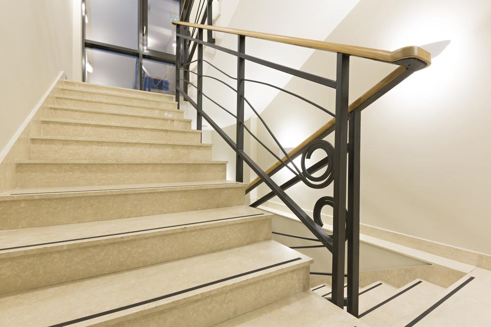 Nowoczesne schody z kamienia zbudowane na zamówienie w Zielonej Górze